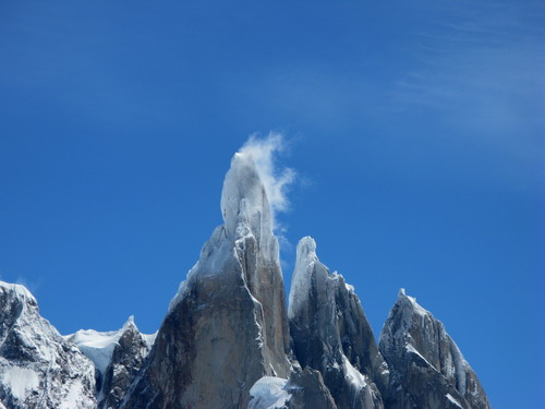 Andrea Di Donato in cordata con Colin Haley sul Cerro Torre, in giornata